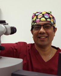 Mr Manoj Mathai - helped to establish Visualase laser eye clinic in 2001.