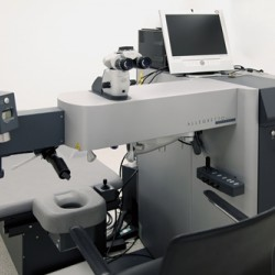 Information about the techniques and equipment used during laser eye surgery at Visualase.